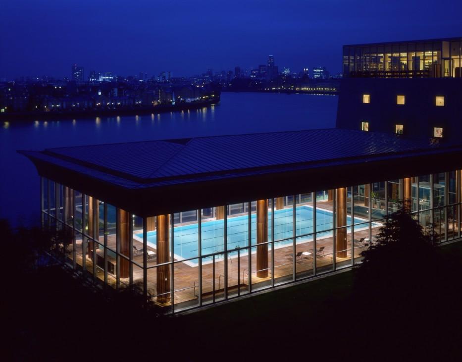 Daniel Craig James Bond Skyfall London Drehorte Städtetipps Four Seasons London Pool