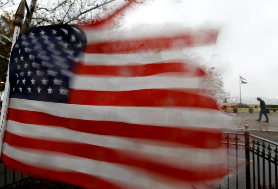 """Der Hurrikan """"Sandy"""" hat in New Jersey eine US-Flagge zerrissen"""