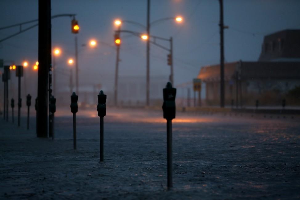 Hurrikan Sandy: Menschenleere Straße