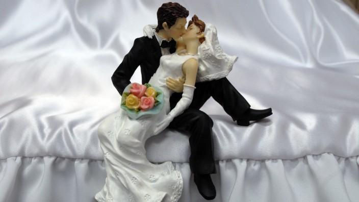 Brautpaar als Tortendekoration, 2009