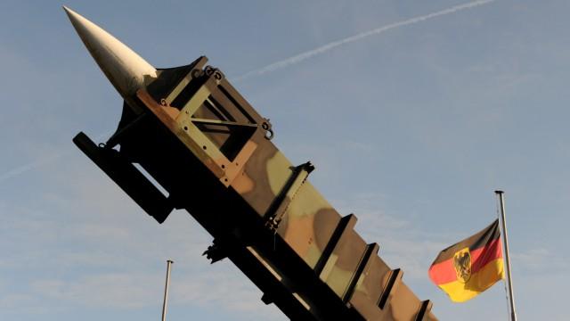 'Patriot'-Rakete vor Husumer Kaserne