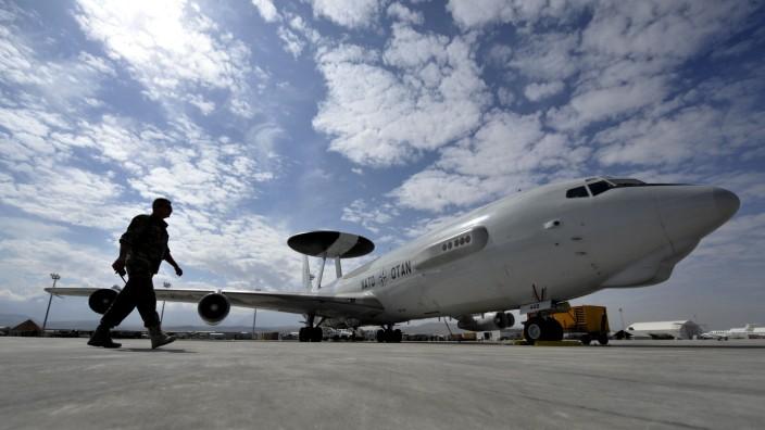 SPD-Politiker Arnold: Auch AWACS-Flugzeuge in die Tuerkei schicken