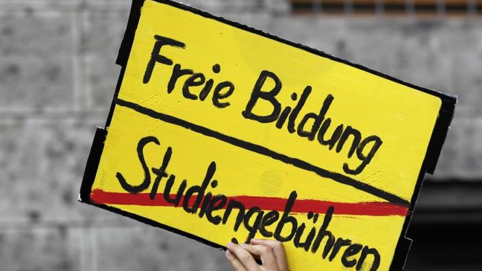CSU-Spitze gegen Mitgliederbefragung zu Studiengebuehren