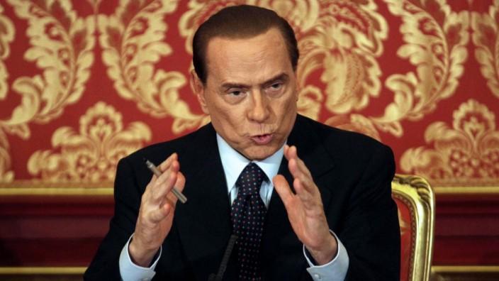 Berlusconi will run again as premier, top aide says