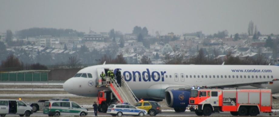Flugzeug muss in Stuttgart notlanden