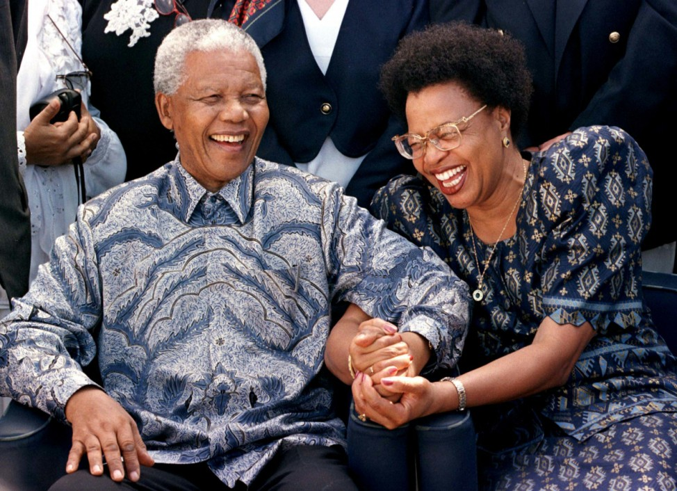 SOUTH AFRICAN PRESIDENT NELSON MANDELA AND HIS COMPANION GRACA MACHEL SET SAIL ON THE QE II