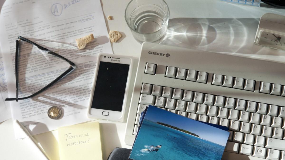 Chaos Auf Dem Schreibtisch So Lernen Buro Messies Ordnung Karriere Sz De