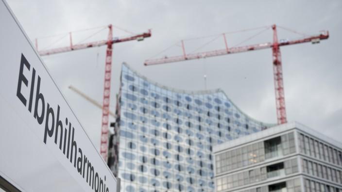 Hamburg baut vorerst weiter mit Hochtief die Elbphilharmonie