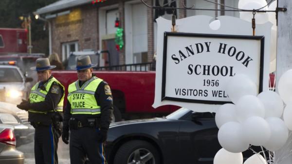 Sandy Hook Newtown Grundschule USA Massaker Amoklauf