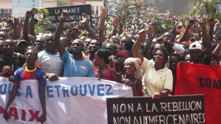 Krise in Zentralafrika: Demonstranten fordern ein Ende der Kämpfe.