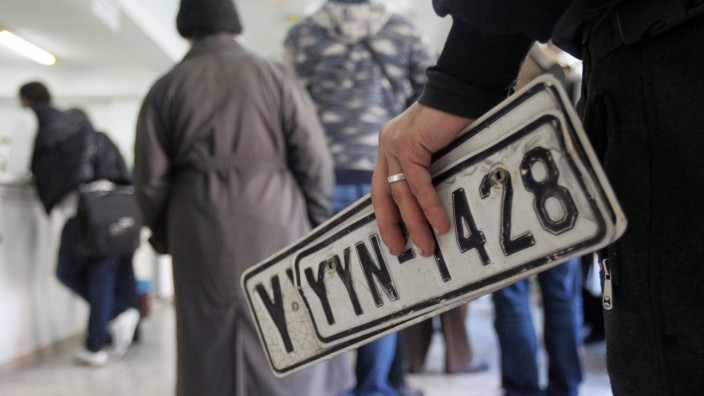 Greeks to pay more taxes due to economic crisis