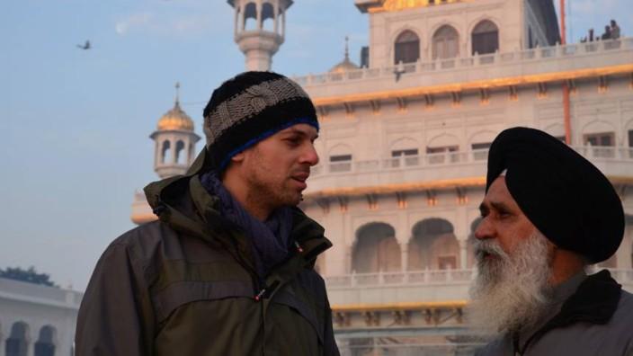 Walter Steffen hat den Enkel des Künstlers Fritz-München, Konstantin Fritz, nach Indien auf den Spuren des Großvaters begleitet.