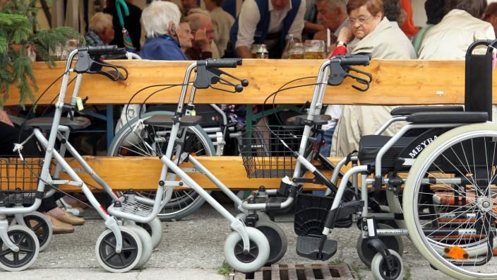 Bruck: Senioren-Nachmittag am Volksfest
