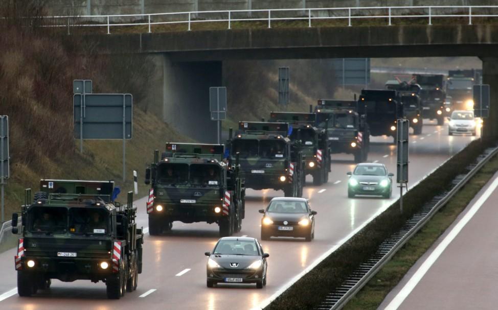 Transport der 'Patriot'-Abwehrraketen in die Türkei beginnt