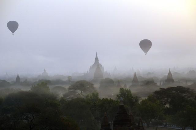 Heißluftballone in Bagan Myanmar