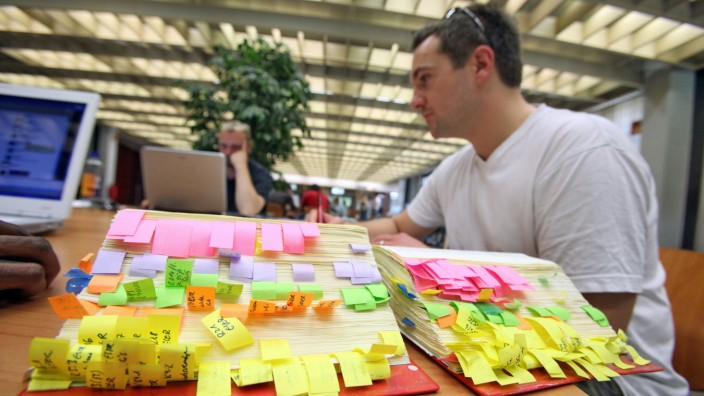 Studium Hochschule Universität Klausur Prüfungen Vorbereitung