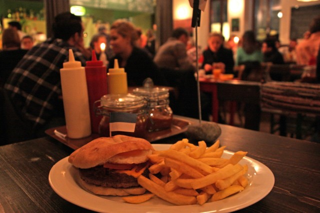 Frida Burger Steinheilstraße Bar Kneipe