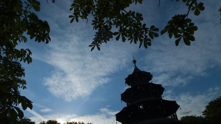 Chinesische Turm vor Abendhimmel
