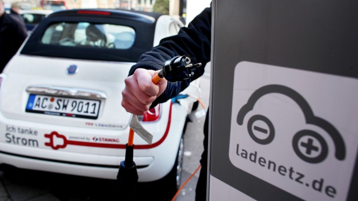 Elektroauto, Ladestation