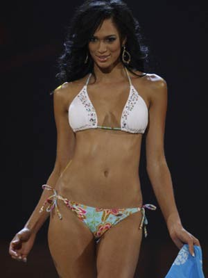 Chloe Mortaud, Miss France 2009, AP