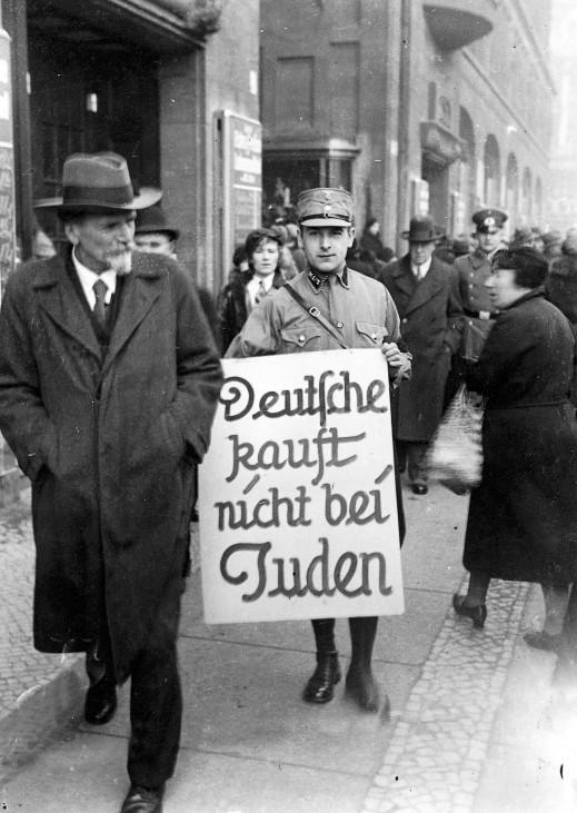 Boykott jüdischer Geschäfte in Berlin 1933 Juden Hitler SZ Photo