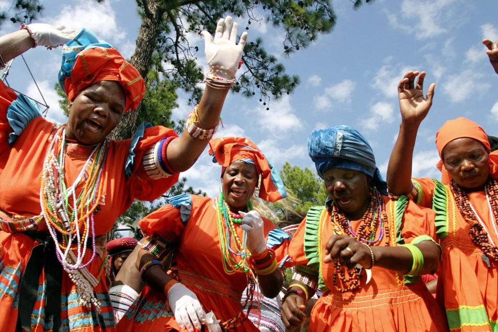 Tanzende Frauen in Südafrika