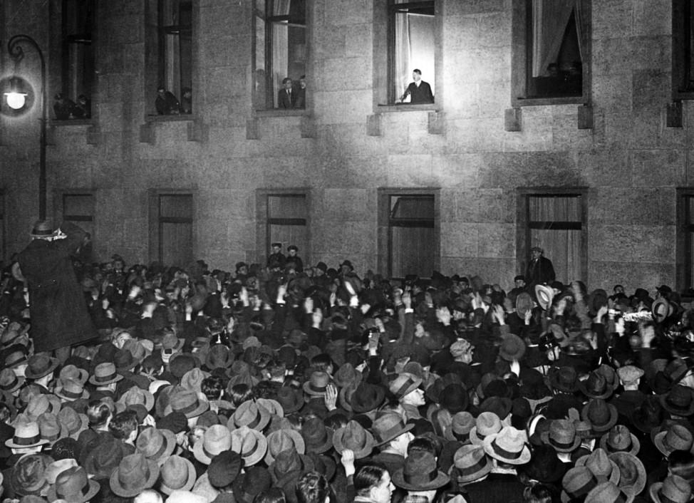 Hitler Reichskanzler Machtergreifung 30. Januar 1933 SZ Photo
