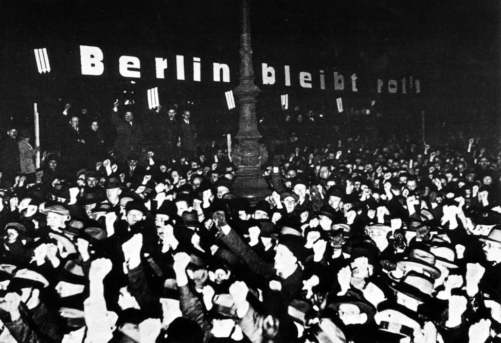 Demonstration gegen die Machtergreifung in Berlin, 1933 SZ Photo