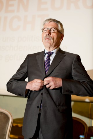 Thilo Sarrazin Presents New Book On The Euro