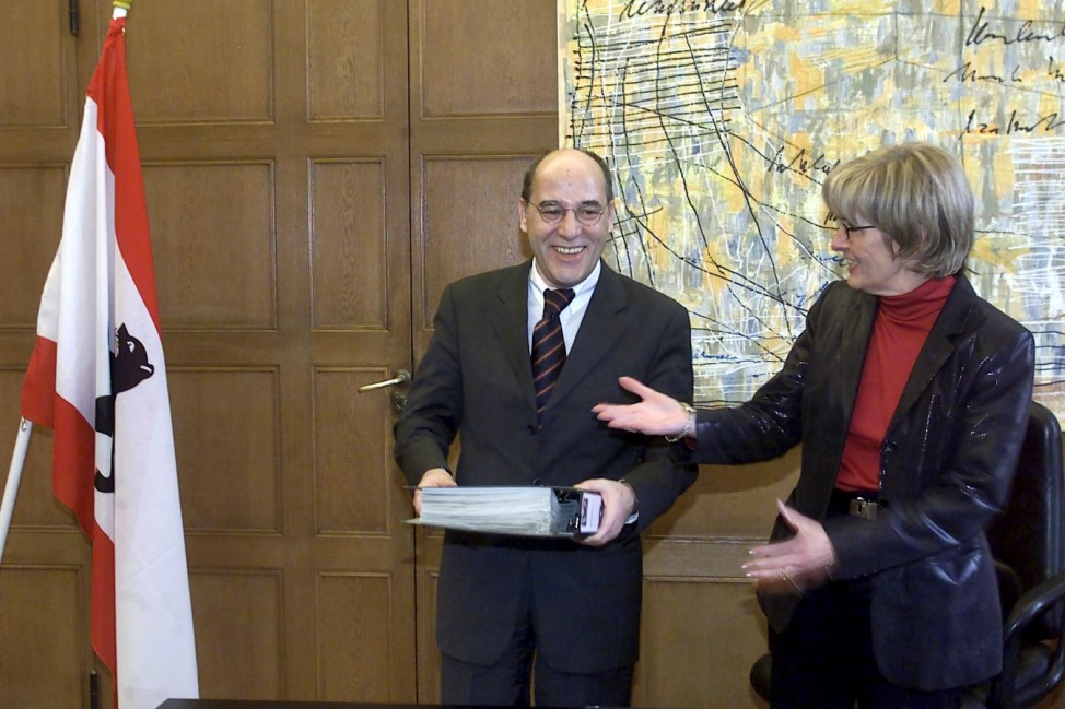 Gregor Gysi uebernimmt Buero des Wirtschaftssenators