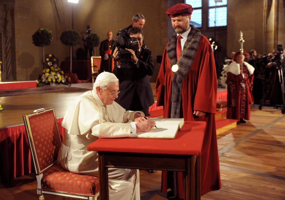 Papst in Tschechien - Treffen mit Vertretern der akademischen Welt
