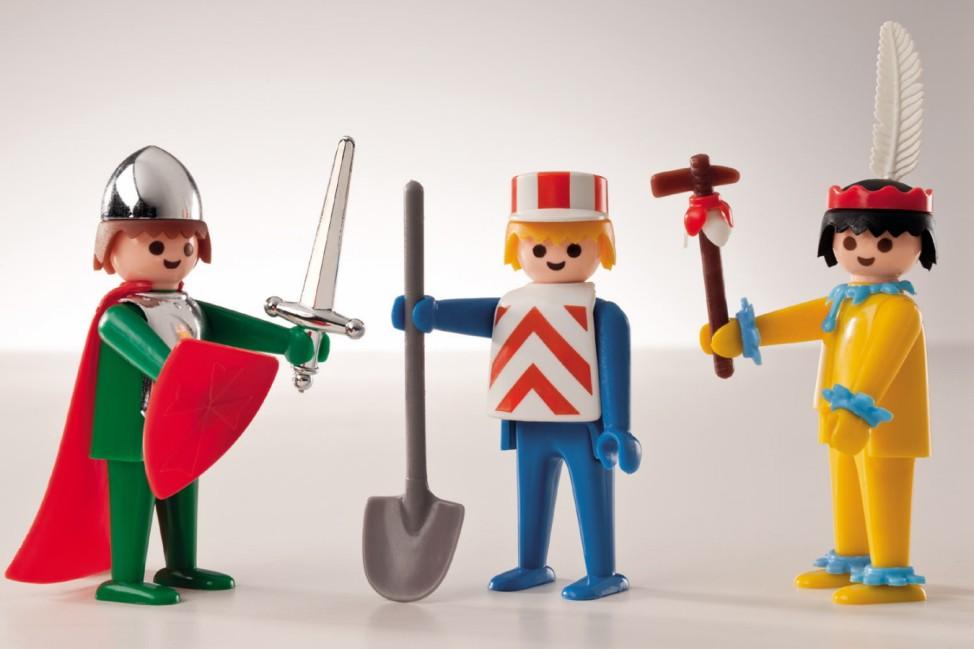 Lego vs. Playmobil