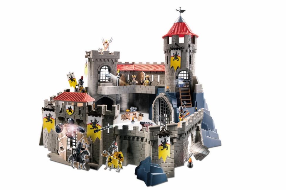 Playmobil vs. lego