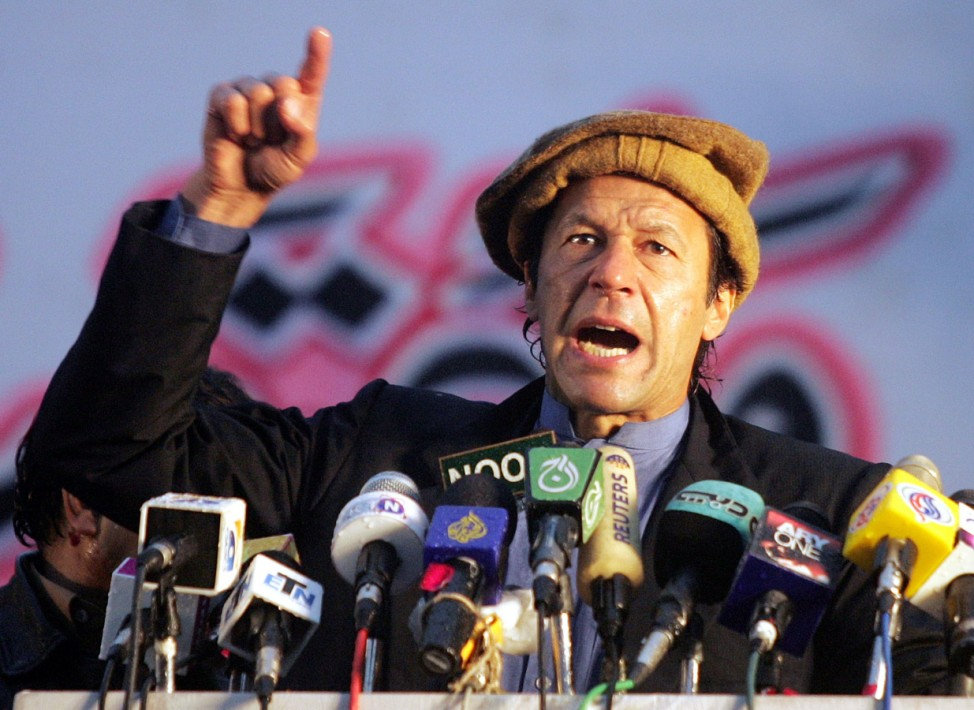 Imran Khan, cricketer turn politician and Chairman of Pakistan Tehreek-i-Insaaf  speaks during an anti-Musharraf rally  in Rawalpindi