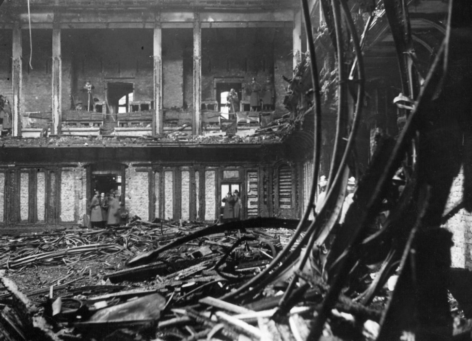 Plenarsaal des Reichstags nach dem Brand, 1933 | Chamber of the Reichstag after the fire, 1933