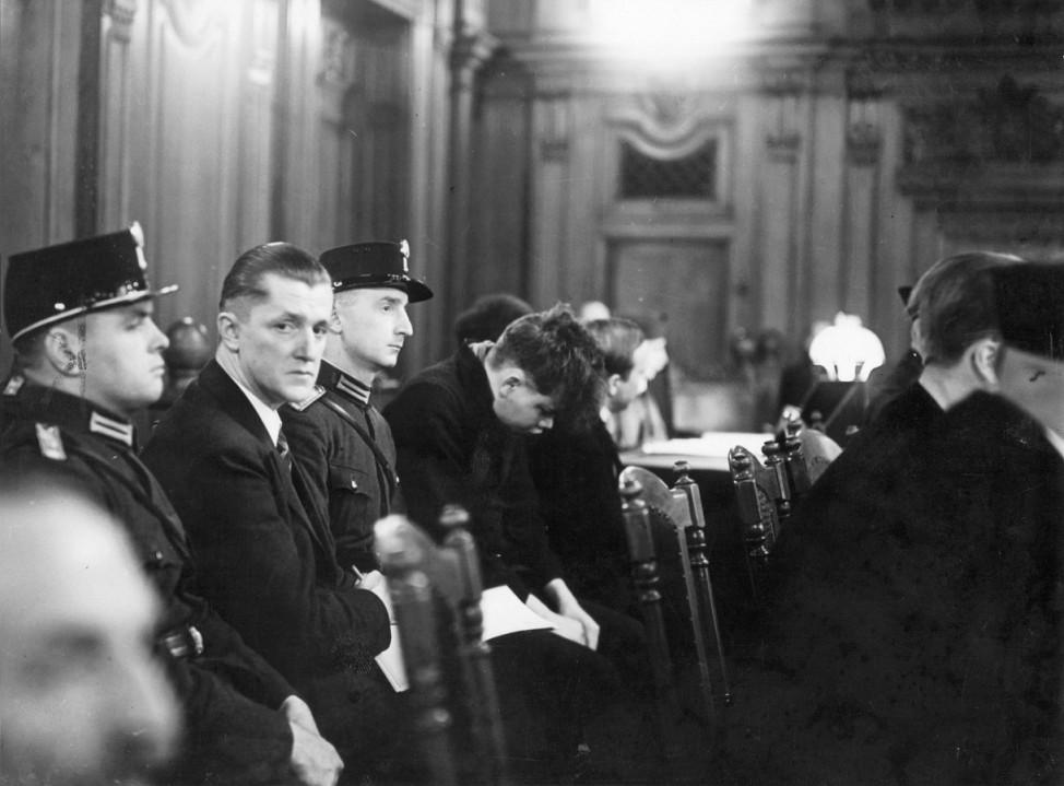 Angeklagte Torgler und Martinus van der Lubbe im Reichstagsbrandprozeß, 1933 | Accused Torgler and Martinus van der Lubbe at the Reichstag fire trial, 1933