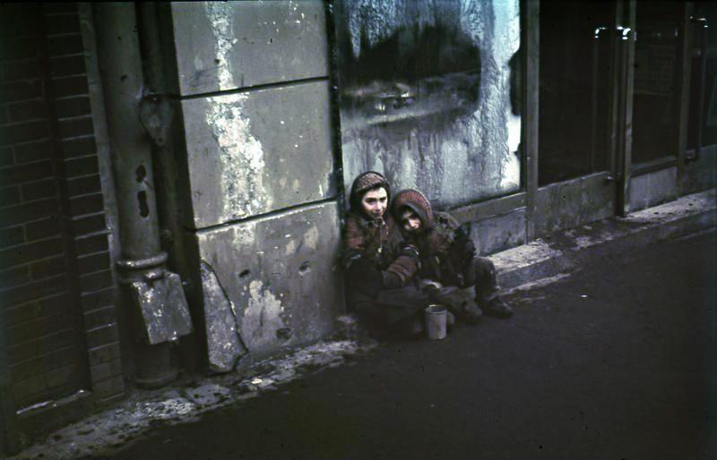 Kinder Ghetto Warschau; Juden. Bundesarchiv N 1576 Bild-003