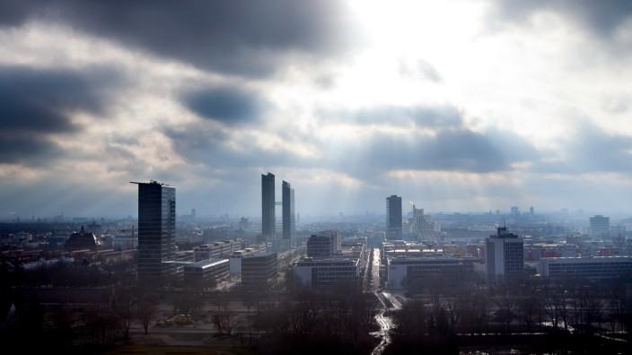 Münchner Skyline mit Hochhäusern, 2013