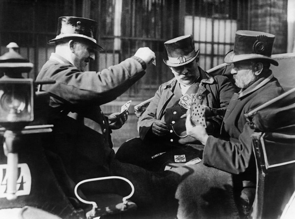 Karten spielende Droschkenkutscher, 1927