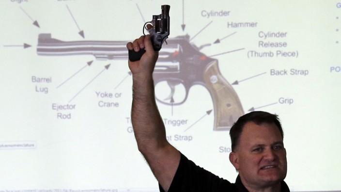 Lehrer In Us Bundesstaat South Dakota Werden Bewaffnet Panorama Sz De