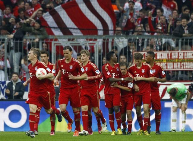 Bayern Munich's players celebrate goal during German first division soccer match against Duesseldorf in Munich