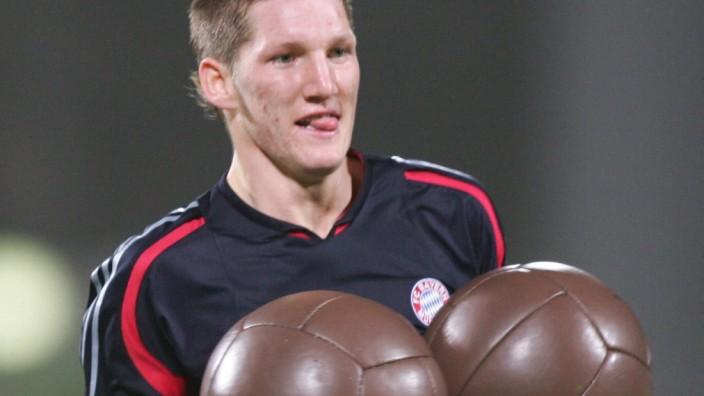 Auch Fußballprofi Bastian Schweinsteiger vom FC Bayern München hat schon mit Medizinbällen trainiert.