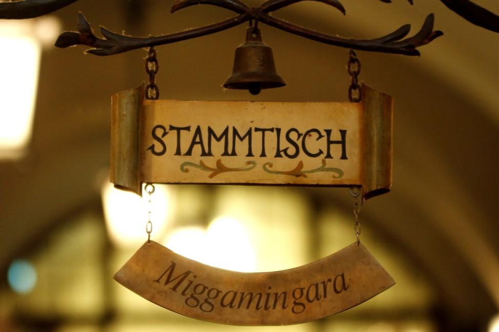Stammtischleben im Hofbräuhaus in München, 2012