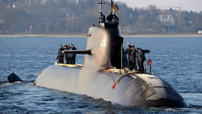 Militär, U 32 stellt Tauchrekord auf