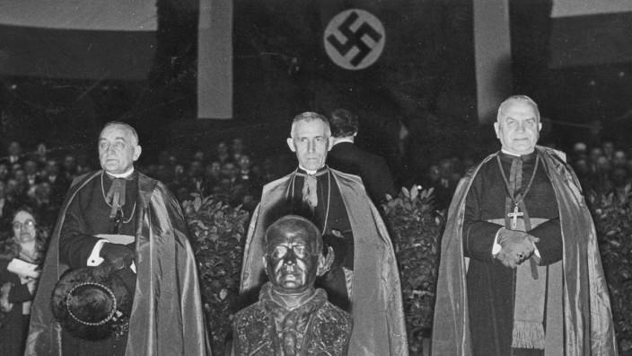 Bischof Nikolaus Bares, Nuntius Orsenigo und Bischof Augustin Pacha, 1934