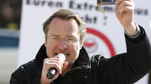 """Michael Stürzenberger von """"Die Freiheit"""" bei der Demonstration am 10. März 2013."""