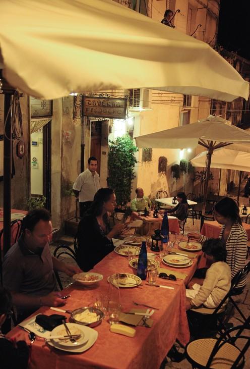 """Taverna Nicastro, Modica """"Eine perfekte Woche ..."""" Sizilien"""