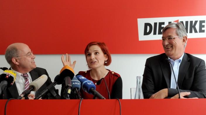 Gregor Gysi, Katja Kipping und Bernd Riexinger stellen das Programm der Linken für die Bundestagswahl vor
