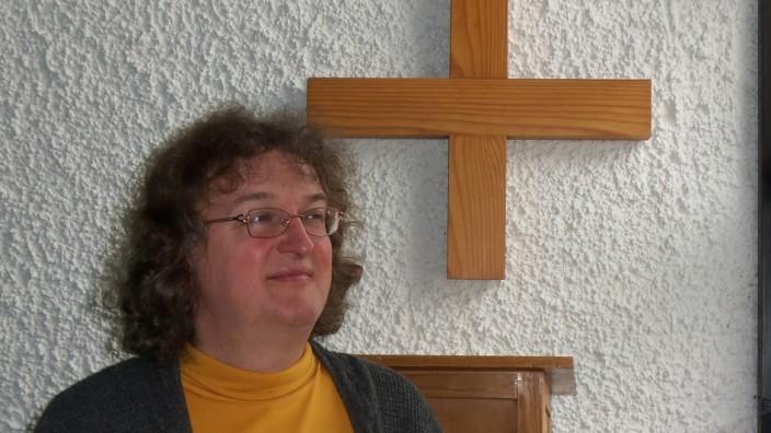 Transsexualität: Der lange Weg der Angleichung ans innere Geschlecht hat bereits begonnen: Andreas Zwölfer nimmt bereits Hormone, später will er sich operieren lassen.