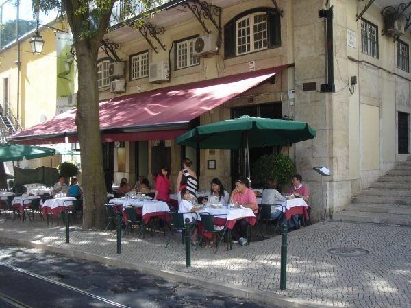 Café no Chiado Café Restaurant Reisetipps Städtereise Lissabon Portugal